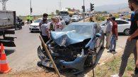 İşçi servisi ile  otomobil çarpıştı:  6 yaralı …