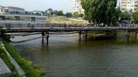 Köprü Dökülüyor  Yetkililer Seyrediyor