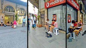 Müzisyen Gençler Saray Caddesini Şenlendiriyor