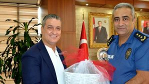 Tolunay'ın ziyareti Gül'e