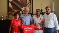 Tenis'te 14 yaş Türkiye Şampiyonu