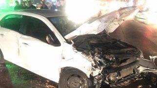 Tır otomobille çarpıştı: 5 yaralı