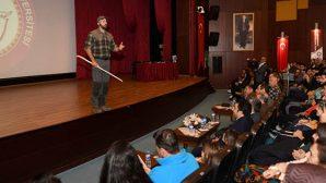 Motivasyon konuşmacısı, eğitmen ve doğa bilimci Serdar Kılıç