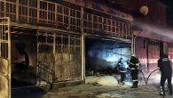 Mobilya imalathanesinde yangın