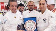 Gastroşef Celil Erkan'a Plaket