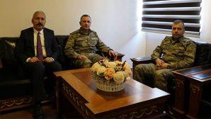 Paşa ve Albay, Karahan'la