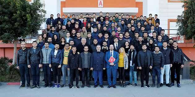 250 İSTE'li son sınıf öğrencisi…