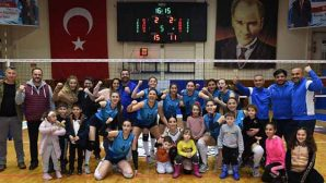 Antakya Belediyesi Kadın Voleybolcuları Play-off'ta…