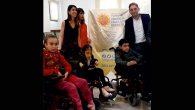 Üç Engelliye Tekerlekli Sandalye