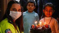 Polisten Küçük Fatma'ya Doğum Günü Sürprizi