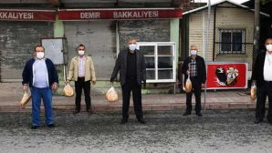 5200 aileye maske ve ekmek dağıtıldı
