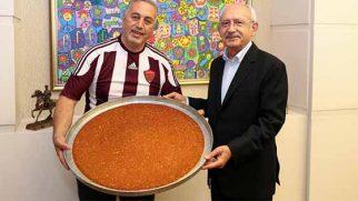 Kılıçdaroğlu, Hatayspor'u kutladı ve künefesini yedi