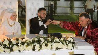 Hamza Evlendi