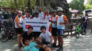 Bisikletçiler, Yanan Orman Bölgesinde…