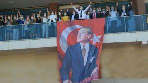 CHP, Arsuz'da  yeni binasında…