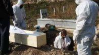 Kovid'den Ölenin Cenazesinin Toprağa Verilmesi