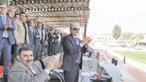Vali, Hatayspor'u  Kutladı