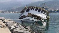 Limanda tekne battı
