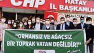 CHP'li gençler, ellerinde kürekle…