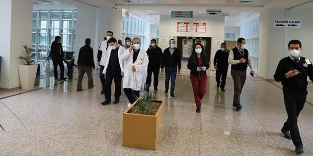 Başhekim pandemi servisinde