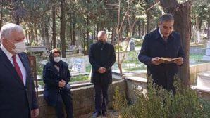 CHP'li vekiller, AKP'li başkanın kabrinde
