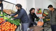 """Manavdan """"Askıda Meyve ve Sebze"""" Kampanyası"""