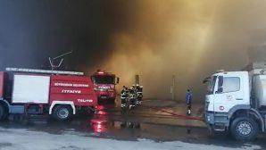 Adana'da çıkan yangına HBB'den itfaiye desteği