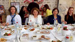 Prof. Dr. Savaş,  Rotary üyelerine seminer verdi