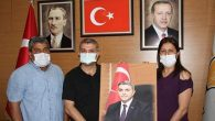 AKP il başkanına sürpriz hediye portresi…