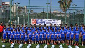 Minikler Futbol Okulunda Futbolcu Ordusu Gibi…