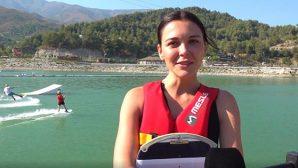 Ünlü Oyuncudan Antakya'da Sörf Keyfi