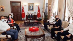 Samandağ Belediyesi Meclis üyeleri ziyareti Vali Doğan'a