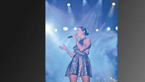 Notaların gecesinde, sahnede…